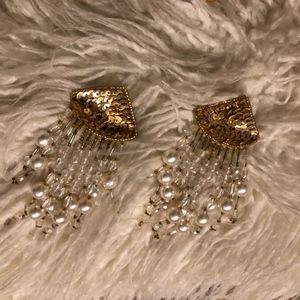 JAZZY PEARL & CRYSTAL PIERCED EARRINGS